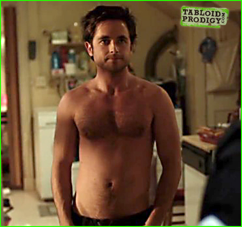 Justin chatwin shirtless apologise, but